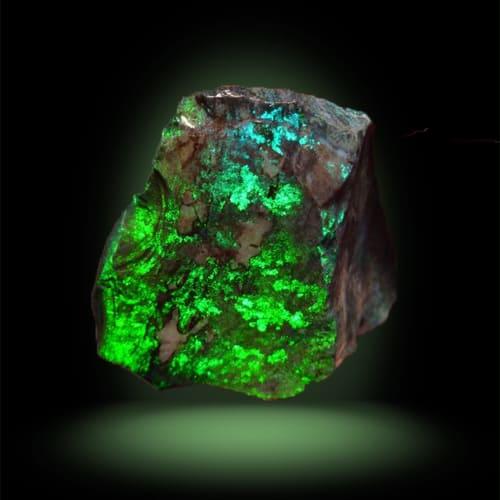 Фотография камня зеленая яшма
