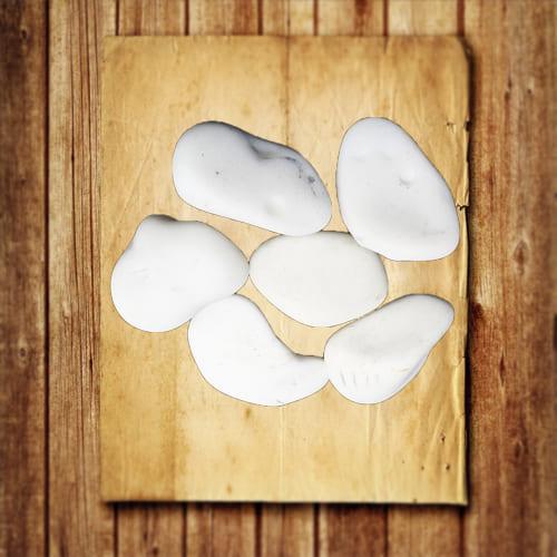 обработанный камень кахолонг